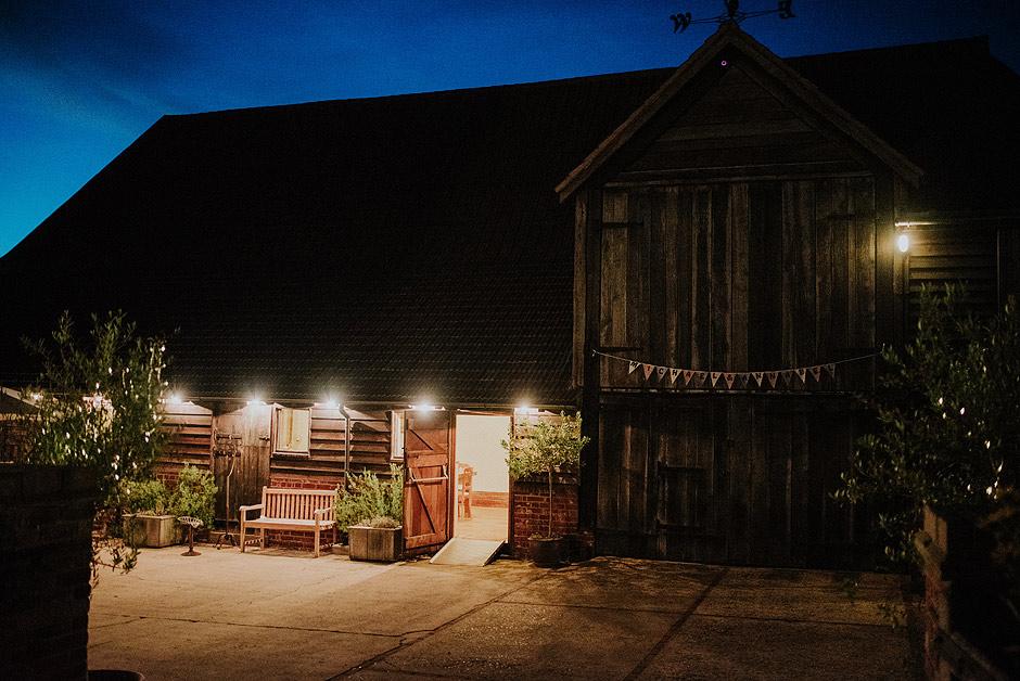 Moraves barn wedding
